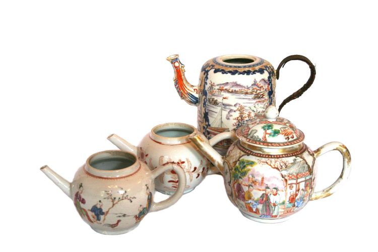Three Chinese Export teapots and a hot water pot, Qing Dynasty, 18th century