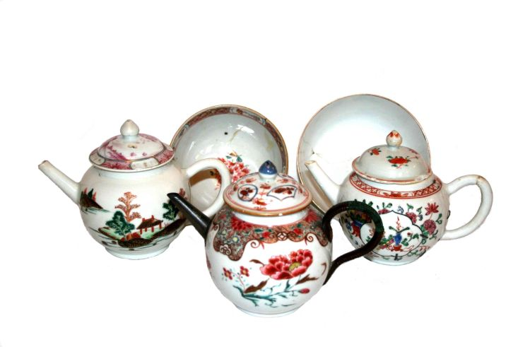 Three Chinese Export teapots, Qing Dynasty, 18th century