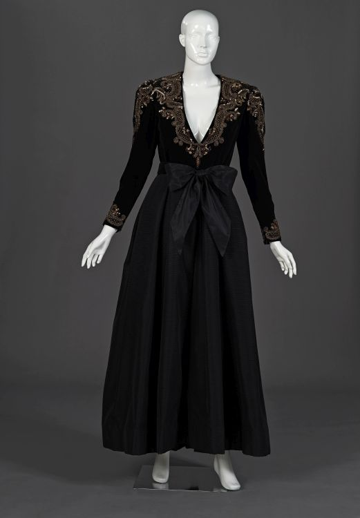 A black gala gown in velvet and ottoman
