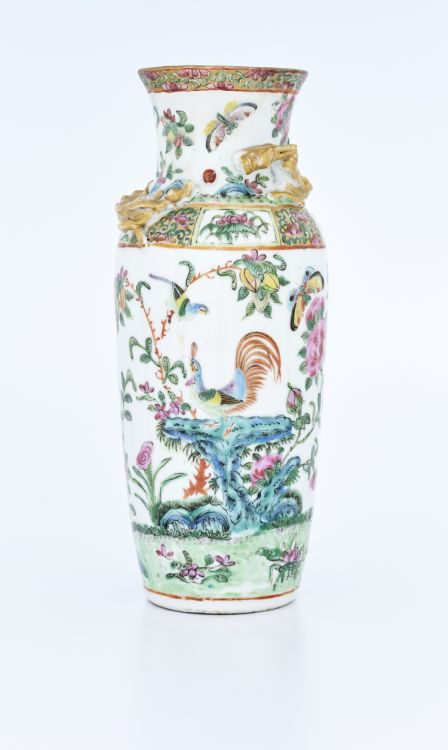 A Chinese famille-verte vase, Qing Dynasty, late 19th/early 20th century