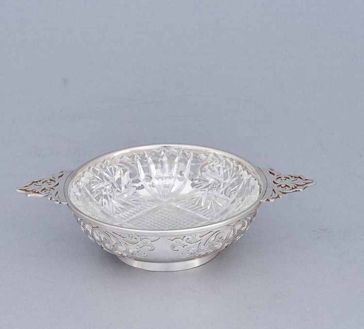 A George VI silver two-handled bonbon dish, A E Poston & Co Ltd, Sheffield, 1945