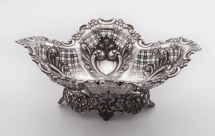 A late Victorian silver basket, James Dixon & Sons Ltd, Sheffield, 1895