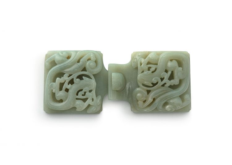 A Chinese jade belt buckle, 19th/20th century