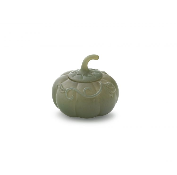 A Chinese jade covered box in the form of a melon, 19th/20th century