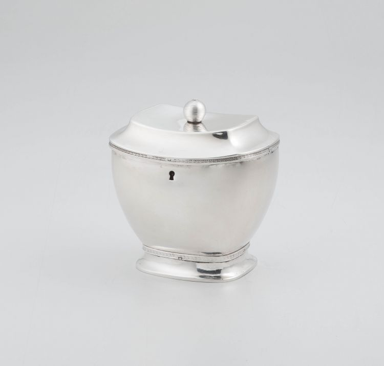 A Continental silver hinged tea caddy, maker's initials 'HGO', with Dutch import marks