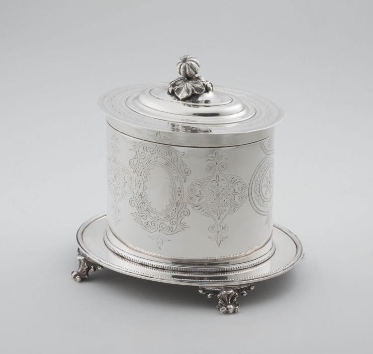 A Sheffield silver-plate biscuit barrel, Mappin & Webb