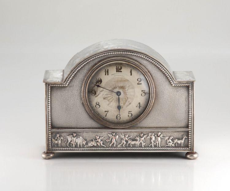 An Edwardian silver-plate mantel clock, Hamilton & Inches, Edinburgh, early 20th century