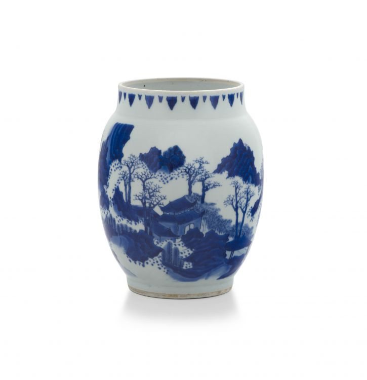 A Chinese blue and white vase, Transitional, Chongzhen period, 1628-1644