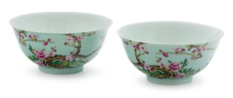 A pair of Chinese 'famille-verte' bowls, Uzhi marks, late Qing/early Republic Period