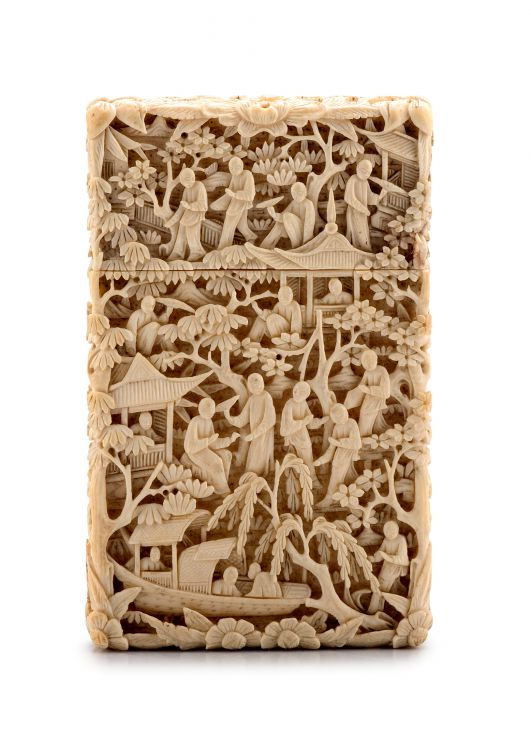 A Chinese ivory card case, 19th century