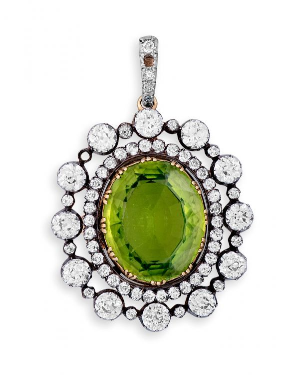 Victorian peridot and diamond brooch/pendant