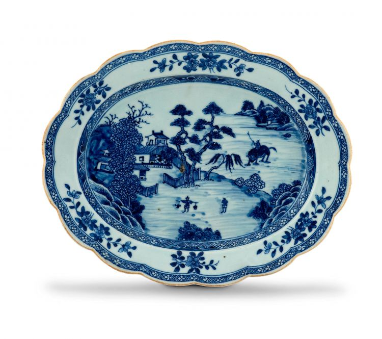 A Chinese blue and white dish, Qing Dynasty, 18th century