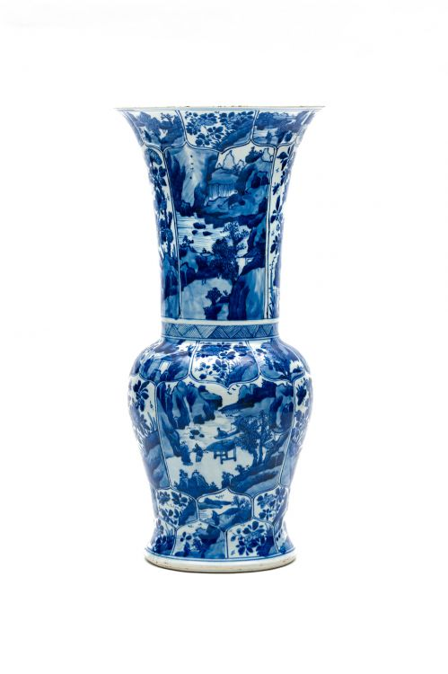 A Chinese blue and white 'Phoenix-tail' vase, Qing Dynasty, Kangxi period, 1662-1722