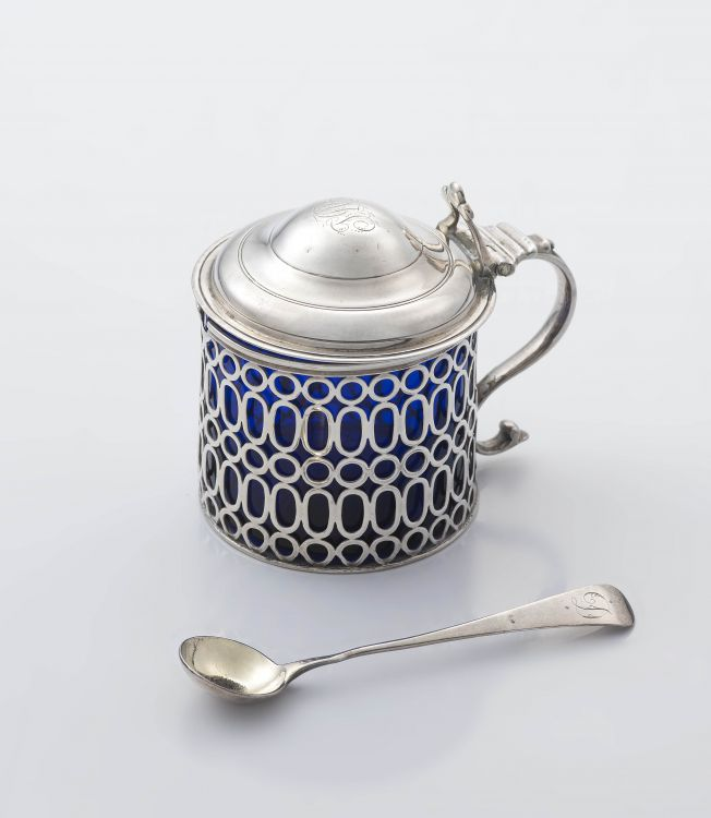A George III silver mustard pot, Edward Aldridge II, London, 1764