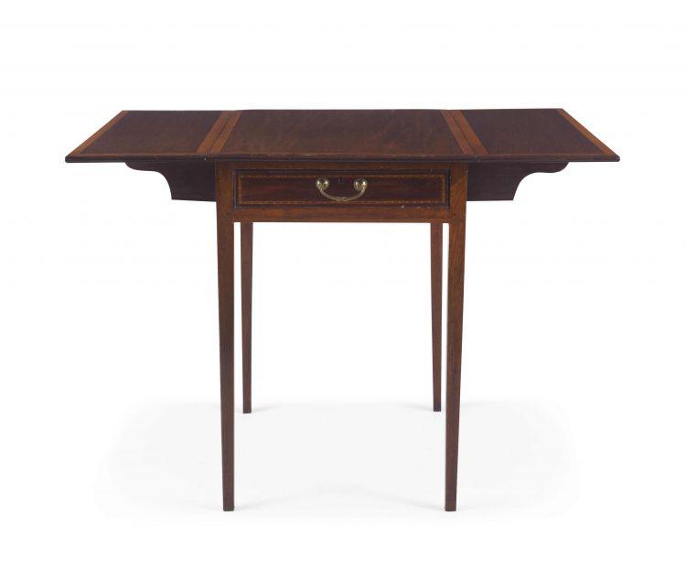 An Edwardian mahogany and satinwood inlaid pembroke table