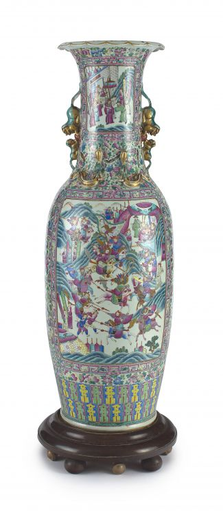 A large Canton famille-rose vase, Qing dynasty, late 19th century