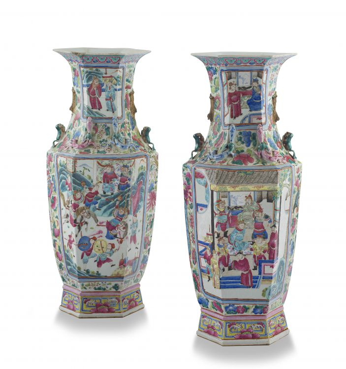 A pair of Chinese famille-rose vases, Qing Dynasty, 19th century