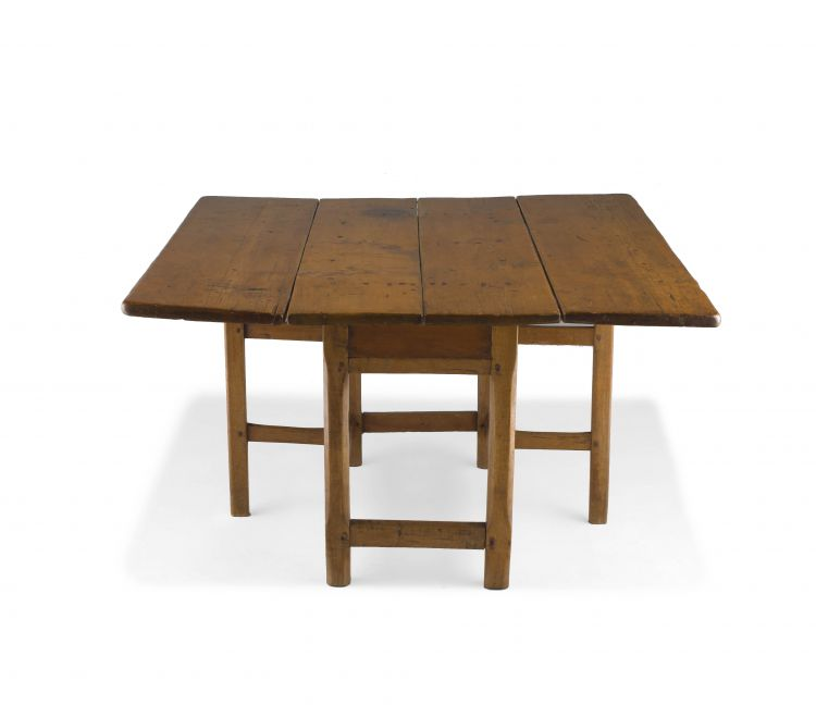 A Cape fruitwood drop-leaf table, 19th century