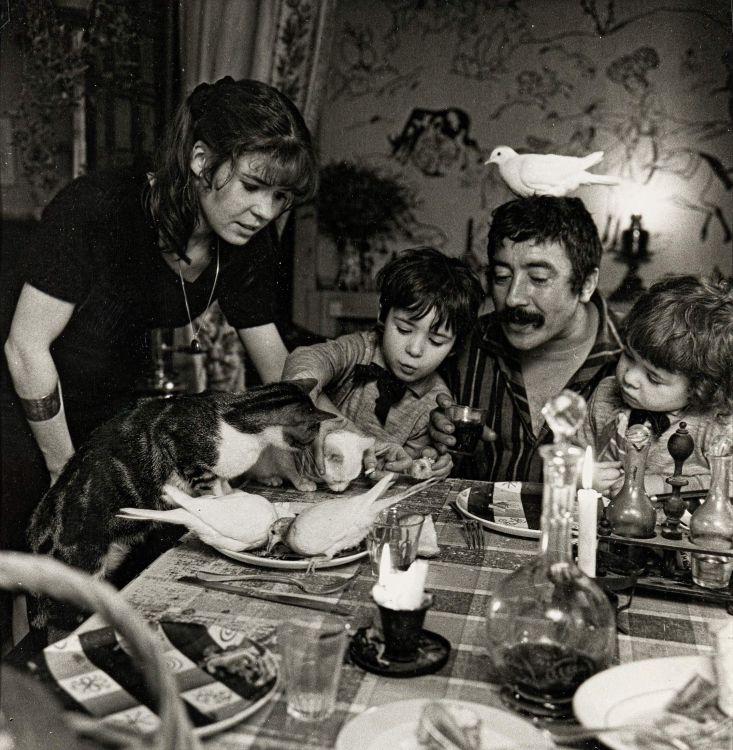 Robert Doisneau; Le Dresseur de Colombes, Pierre Derlon, 1954