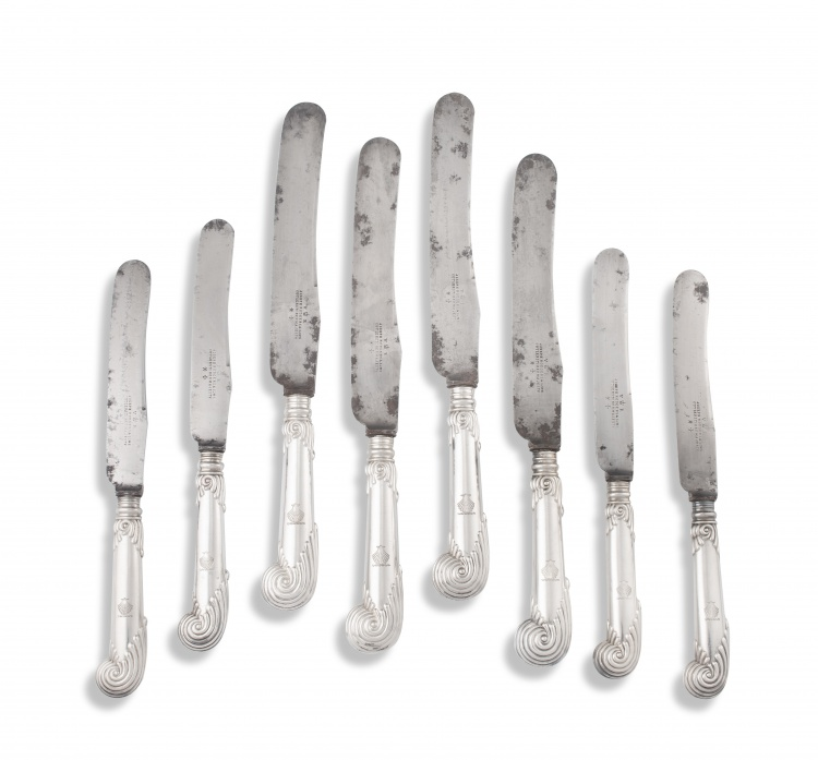 Thirty-two Victorian silver pistol-grip dinner knives, Joseph Rodgers & Sons, Sheffield, 1893