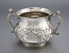 A Charles II silver two-handled porringer, maker's mark RP, London, 1661