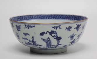 A Chinese blue and white bowl, Qing Dynasty, Qianlong (1735-1796)