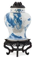 A Chinese blue and white vase, Qing Dynasty, Kangxi, 17th century