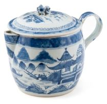 A Chinese blue and white Nankin covered jug, Qing Dynasty, late 18th/early 19th century