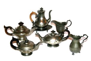 A miscellaneous group of pewter wares, Dutch and English, 19th and 20th century
