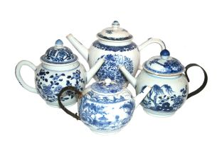 A Chinese blue and white teapot and cover, Qianlong, 18th century