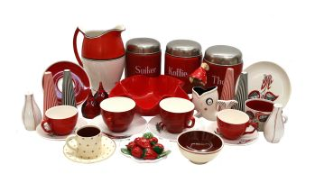 A miscellaneous group of kitchenwares