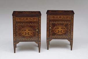 A pair of Italian walnut and marquetry comodini, in the manner of Maggiolini, 18th/19th century
