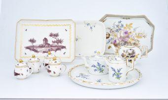 A Meissen teapot, early 19th century