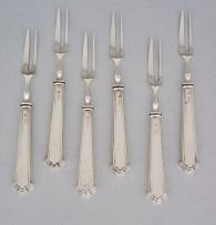 A set of six George V pastry forks, Isaac Ellis and Sons, Sheffield, 1913 and 1914
