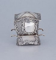 A Victorian silver card case in the form of a sedan chair, Samuel Jacob, London, 1900, Rd345787