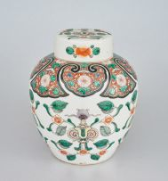 A Chinese famille-verte jar and cover, Qing Dynasty, 19th century