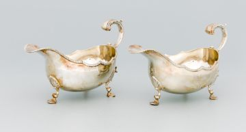 A pair of Elizabeth II silver sauce boats, A Chick & Sons Ltd, London, 1970