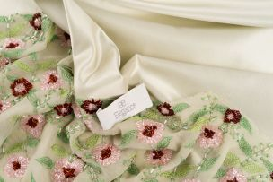 Elégance Combination of silk and cotton.