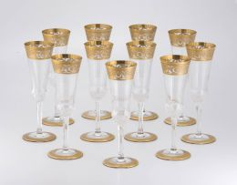 Eleven Saint Louis 'Thistle Pattern' gold-encrusted champagne flutes