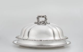 A Sheffield silver-plate oval meat dish and cover, Mappin & Webb, late 19th/early 20th century
