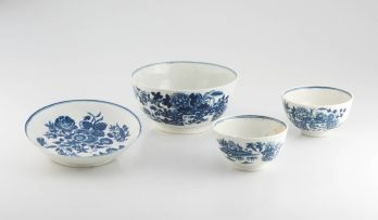 A Worcester blue and white bowl, late 18th century