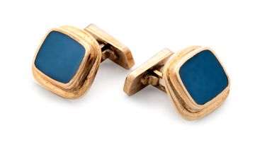 Pair of chalcedony and gold cufflinks
