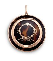 A Victorian 9ct gold and tortoiseshell compact