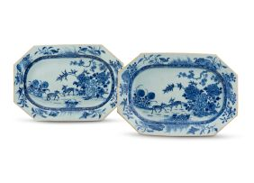 A pair of Chinese Export blue and white octagonal dishes, Qing Dynasty, late 18th/early 19th century