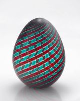 A Murano glass egg, Venini, mid 20th century
