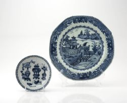 A Chinese Export blue and white saucer dish, Qing Dynasty, early 19th century