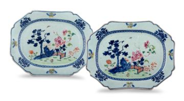 A near pair of Chinese blue and white famille-rose dishes, Qing Dynasty, 18th century