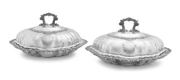 A pair of George III silver entreé dishes and covers, Joseph Angell I, London, 1818