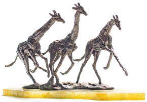 Tienie Pritchard; Three Giraffes
